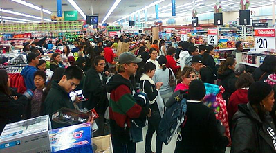 black friday shoppers in line